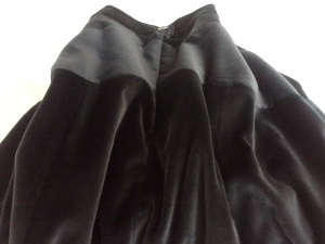 Invisible zip in gabriola skirt